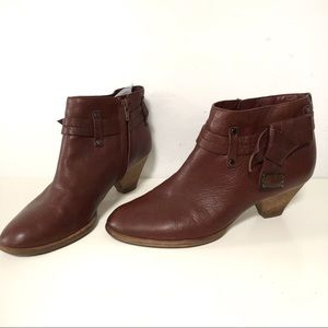 Marc by Marc Jacobs ankle booties cognac leather